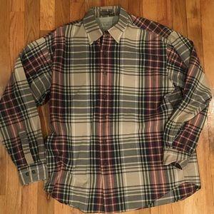 CLEARANCE: Haggar Button Up Shirt Size Medium